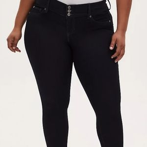 Torrid Jegging Crop Black Denim Plus Size 28